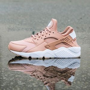Women's Nike Air Huarache Shoes